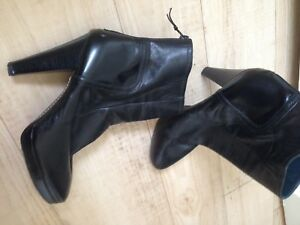 Jaeger-Black-Leather-Ankle-Boots-40-6-7-6-5