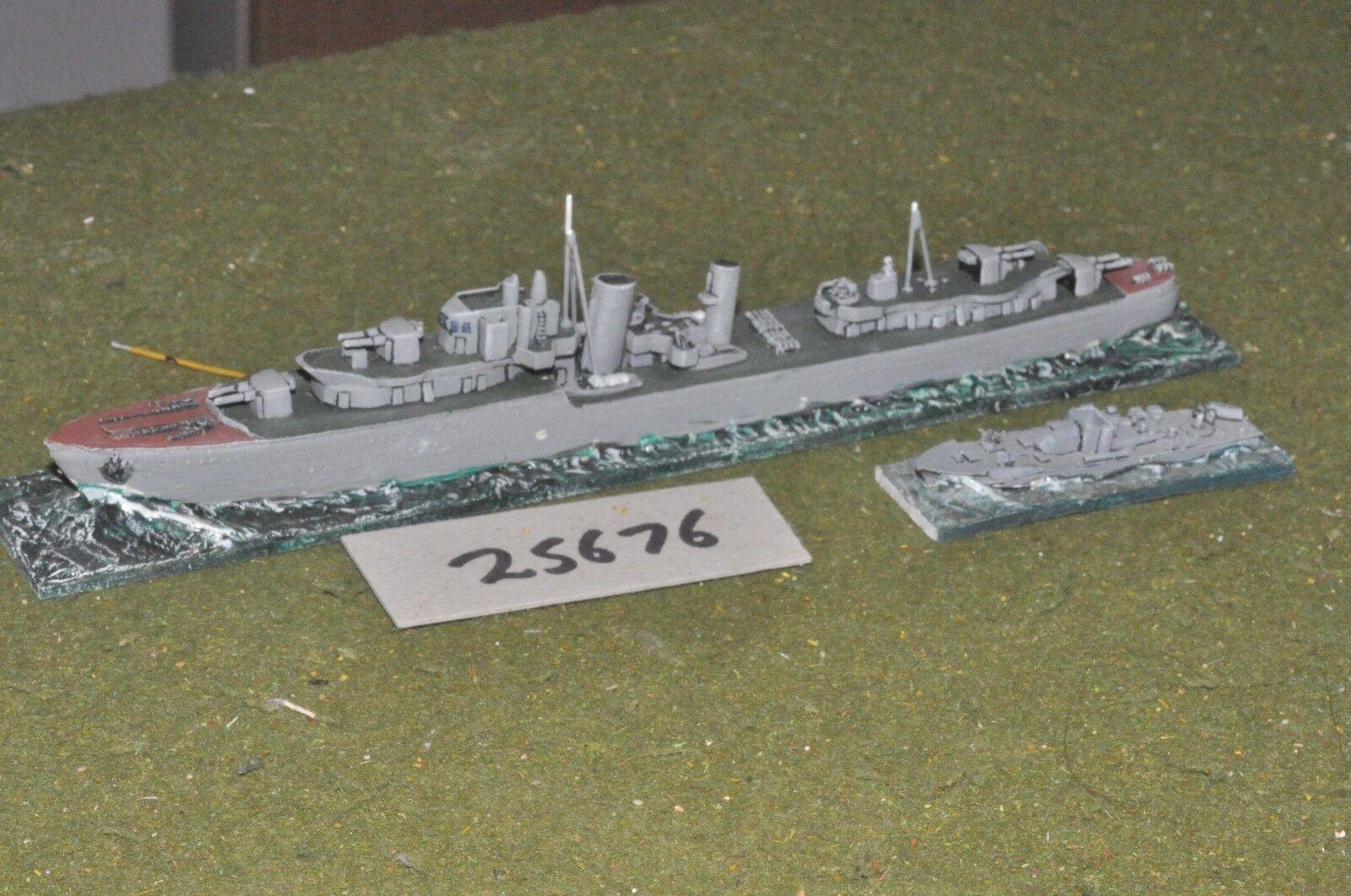 1 700 WW2   british - coastal 2 figures - ships (25676)