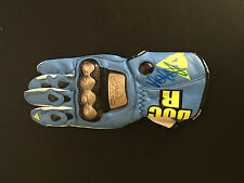 VALENTINO ROSSI SIGNED MOTO GP RACE GLOVE+PHOTO PROOF*SEE ROSSI SIGN THIS GLOVE*
