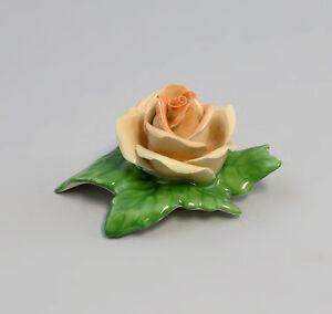 9959054-Porcellana-Fiore-di-Tabella-Rosa-Peach-Ens-Handmodelliert-5-5x4cm