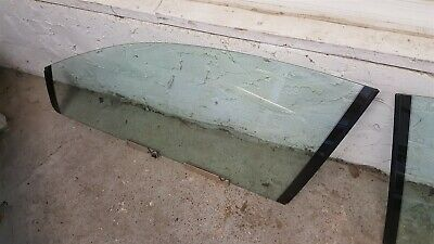 04 05 06 GTO Glass Window Track Set Passenger Side Right USED