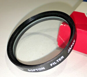 An-unbranded-Japan-made-40-5mm-Softon-soft-focus-filter-boxed-with-case