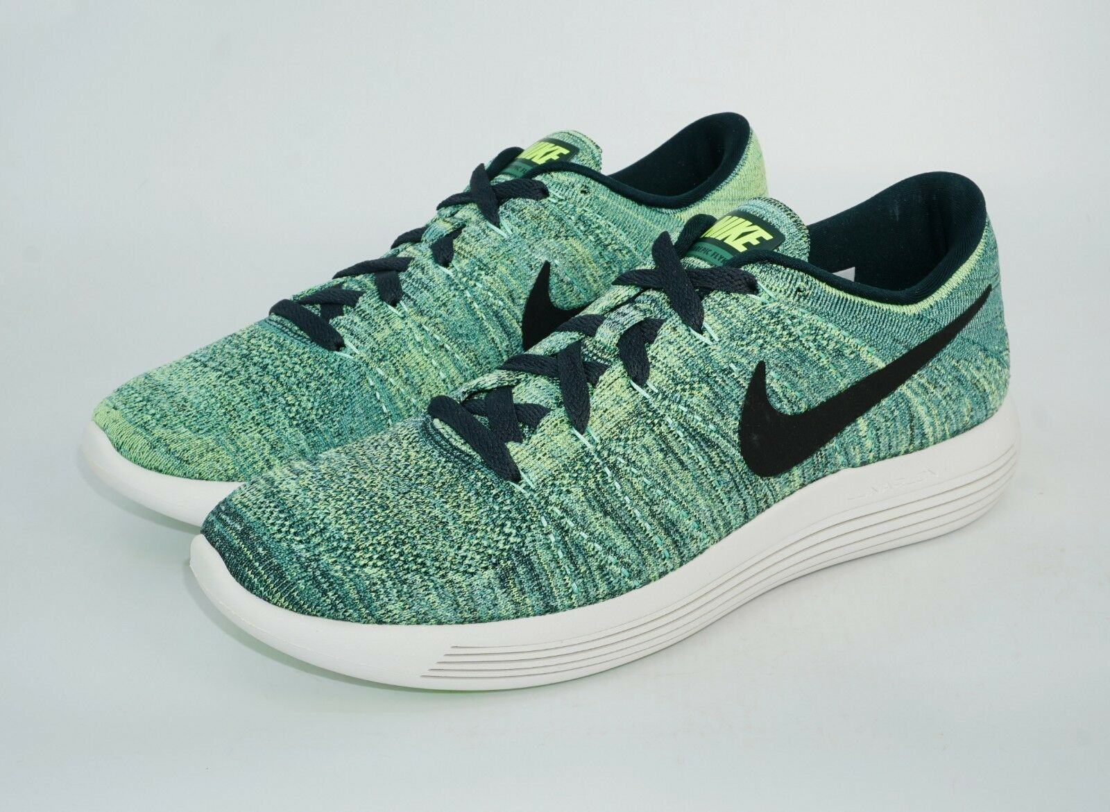 4342cc2a9ded Nike Men s LunarEpic Low Flyknit Running Shoes