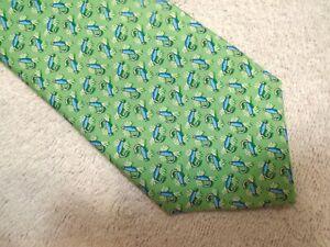vineyard-vines-Fishing-Flys-Pattern-100-Silk-Tie-NWT-85-Made-in-USA-Green