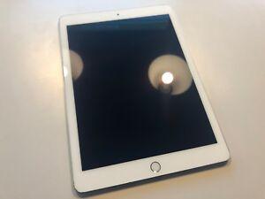"Apple iPad Pro 32GB, WLAN + LTE 9,7"" A9X CPU Top Zustand"