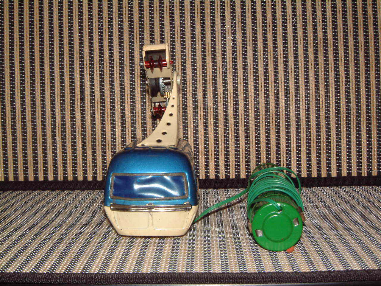 BANDAI RARE, RARE, RARE, FULLY WORKING, TIN  CABLE CAR  BATTERY OPERATED W CABLE & BOX  e2e213