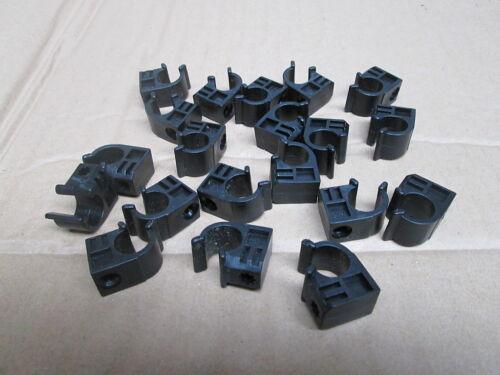 Clip Tubo Plastica Nera lotto per OdL di 20 x 12 mm di diametro