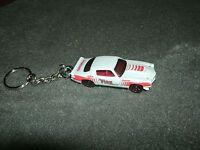 1970 Chevrolet Camaro Rs Diecast Model Car Keychain Keyring White W Red
