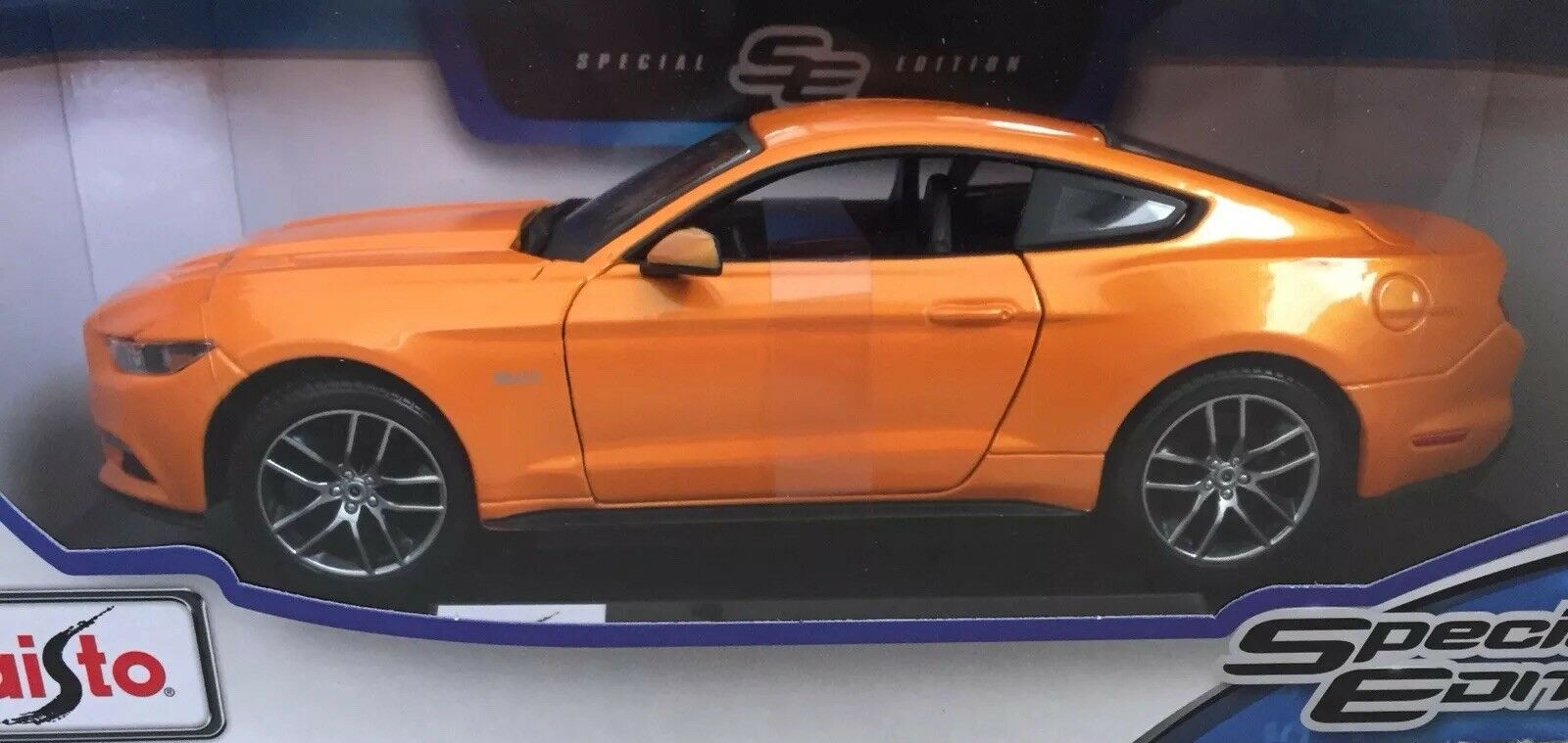 1 18 Maisto Mustang GT (orange)