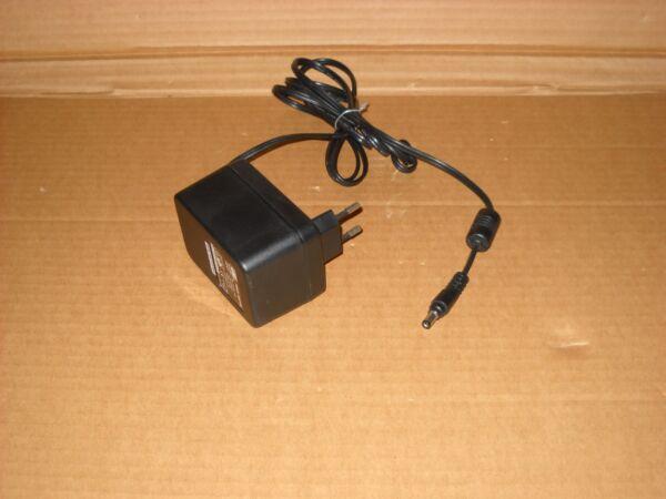 Alimentatore Yhi Power Adaptor Model: Ys-1012-t12 Output Dc 12v 1a Het Verstrekken Van Voorzieningen Voor Het Volk; Het Leven Gemakkelijker Maken Voor De Bevolking