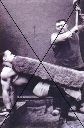 "photo /"" homme fort de cirque /"" curiosité oddities"