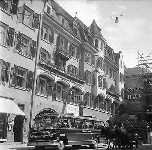 AUTRICHE c. 1955 - Car Chevaux Hôtel Heingang Innsbruck- Négatif 6 x 6 - Aut 94 dGqzZmkm-09153121-624512449