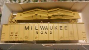 Walthers-HO-Milwaukee-Road-50-039-Airslide-Covered-Hopper-Kit-NIB