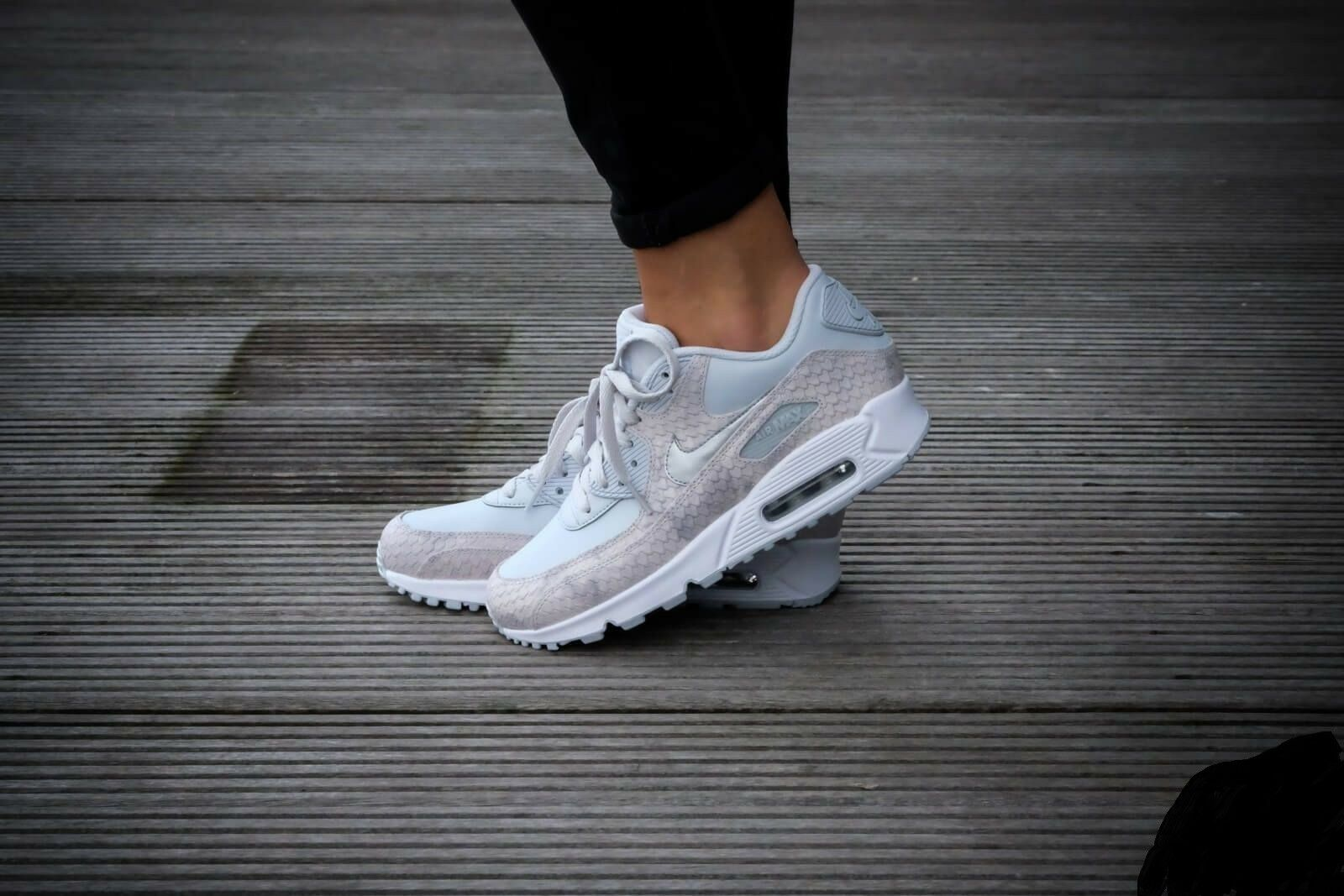 reputable site 7a462 6b606 Nike Air Max 90 Premium PRM Pure Platinum/white WMN Sz 6.5 896497 004