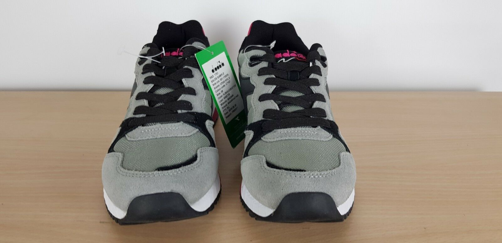 Diadora Unisex Mens Ladies Boys Girls V7000 Grey Grey Grey Retro Sports Trainers, UK 5 036fea