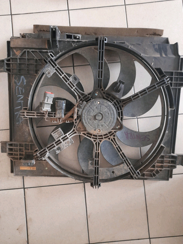 Nissan sentra 1.5 electrical fan