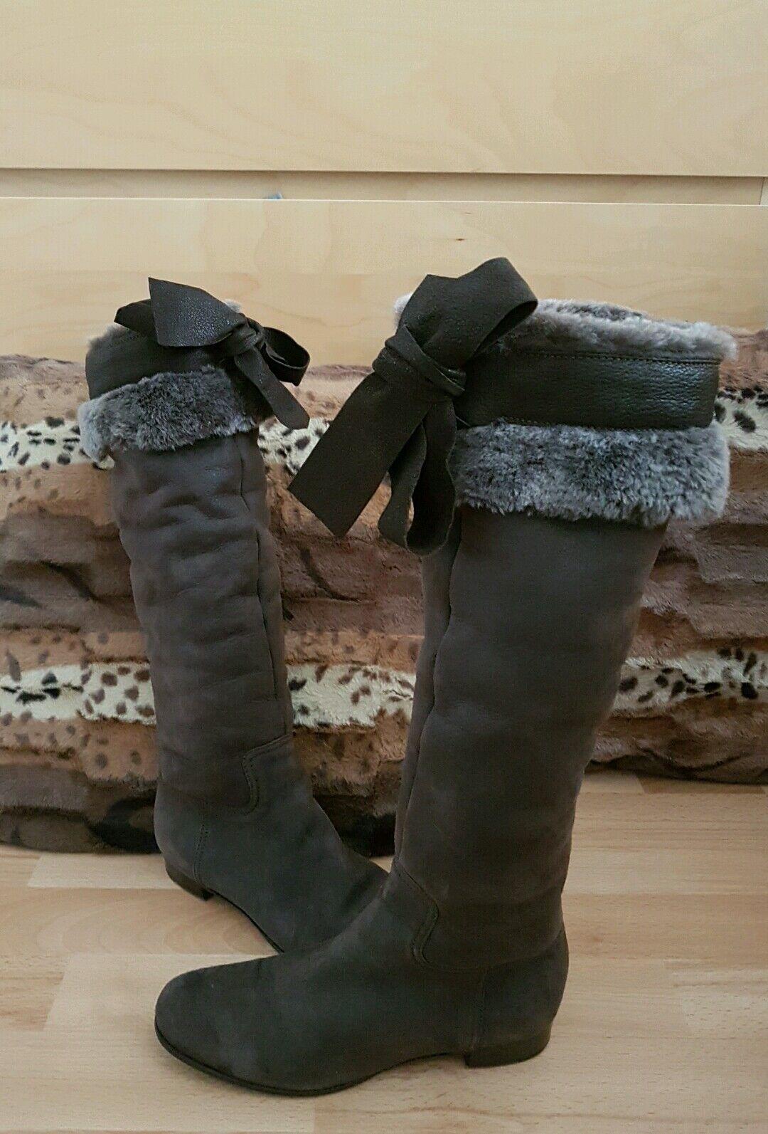 Stunning Miu Miu Winter shoes with fur, size EUR36.5 - VGC