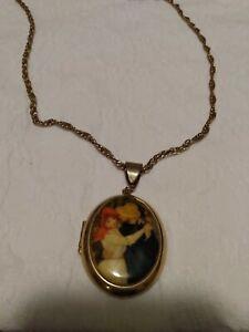 Vintage-Locket-On-Chain-Goldtone