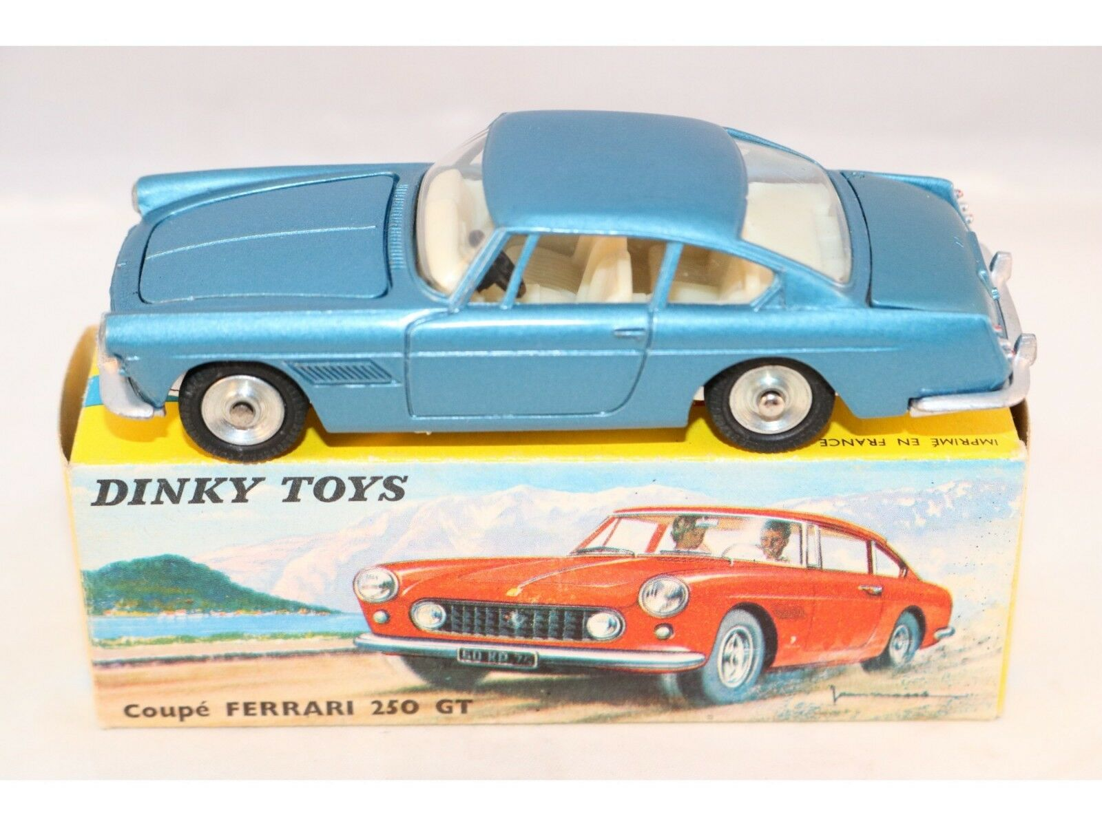 Dinky Toys 515 Ferrari 250 GT blu near mint in box very nice Ferrari