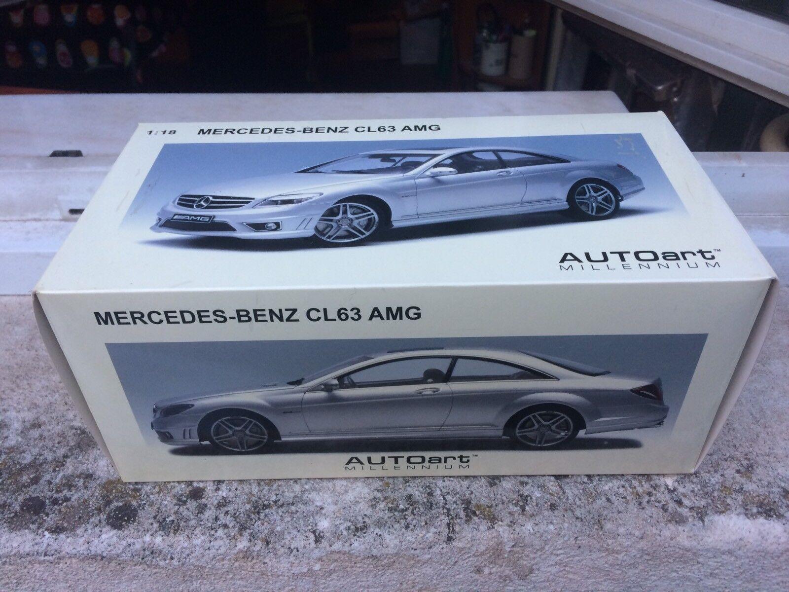 À la fin de l'année, j'ai acheté un grand groupe groupe groupe et rencontré environ dix mille ménages. Mercedes Benz CL63 AMG 1/18 Autoart | Pour Assurer Problèmes Pendant Des Années-service Gratuit  | Forme élégante  | Des Styles Différents  62b02a