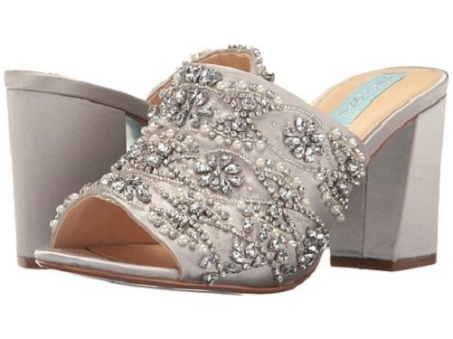 NIB bluee by Betsey Johnson Jaxon Satin Sequin & Rhinestone Sandals in Silver