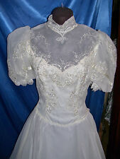 Vintage Wedding gown, bridal Gown WInter White color
