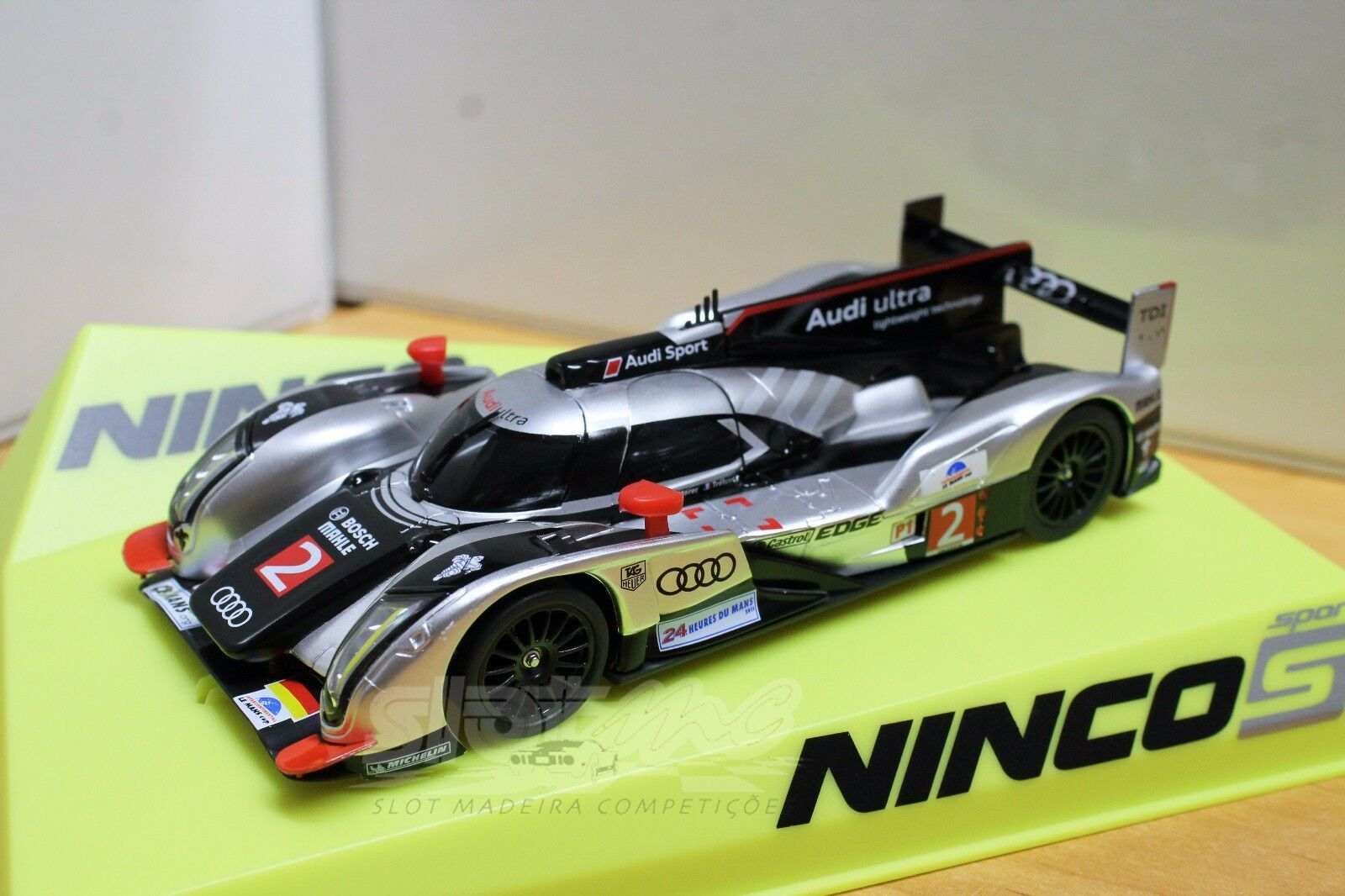 Ninco 50612 Audi R18 Le Mans Winner 2011 1 32  NEW