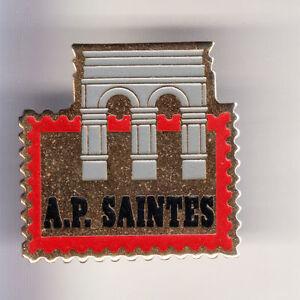 RARE-PINS-PIN-039-S-TOURISME-TIMBRE-PHILATELIE-SAINTES-CHARENTE-MARITIME-17-CJ