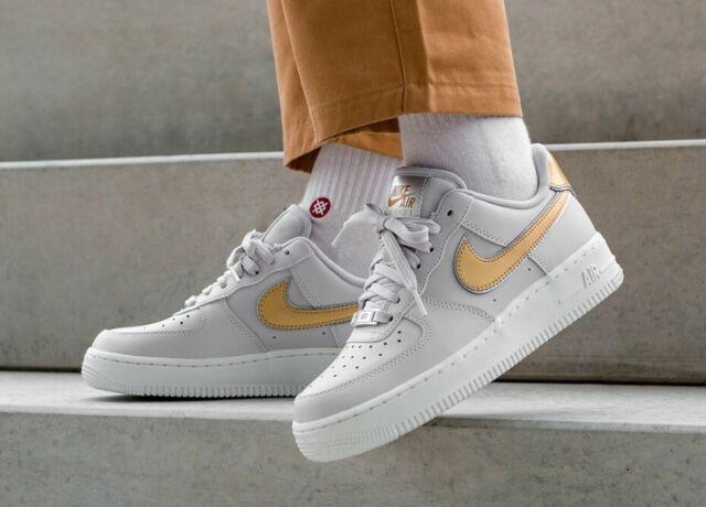 Nike Womens Air Force 1 07 MTLC White