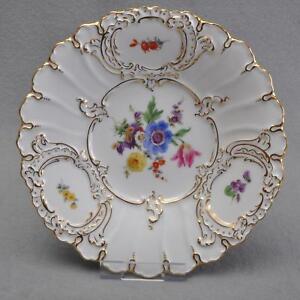 Meissen-Prunkschale-Prunkteller-buntes-Blumen-Bukett-Goldrand-23-5-cm