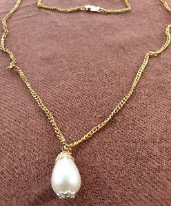 Chaine et pendentif perle plaqué Or