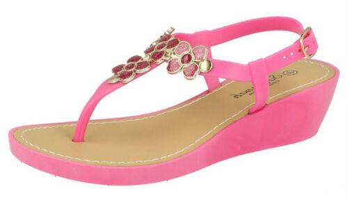 F1R0432 Ladies Savannah Wedged Toe Post Sandals With Flower Detail.