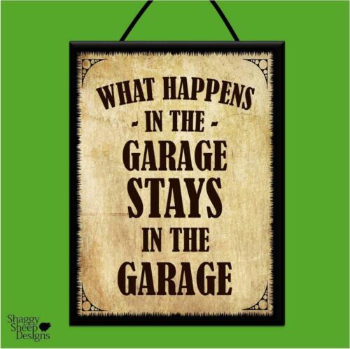 """/""""Ce qui se passe dans le garage/"""" bois Affiche Plaque//Shabby Chic Vintage Hanging Sign"""
