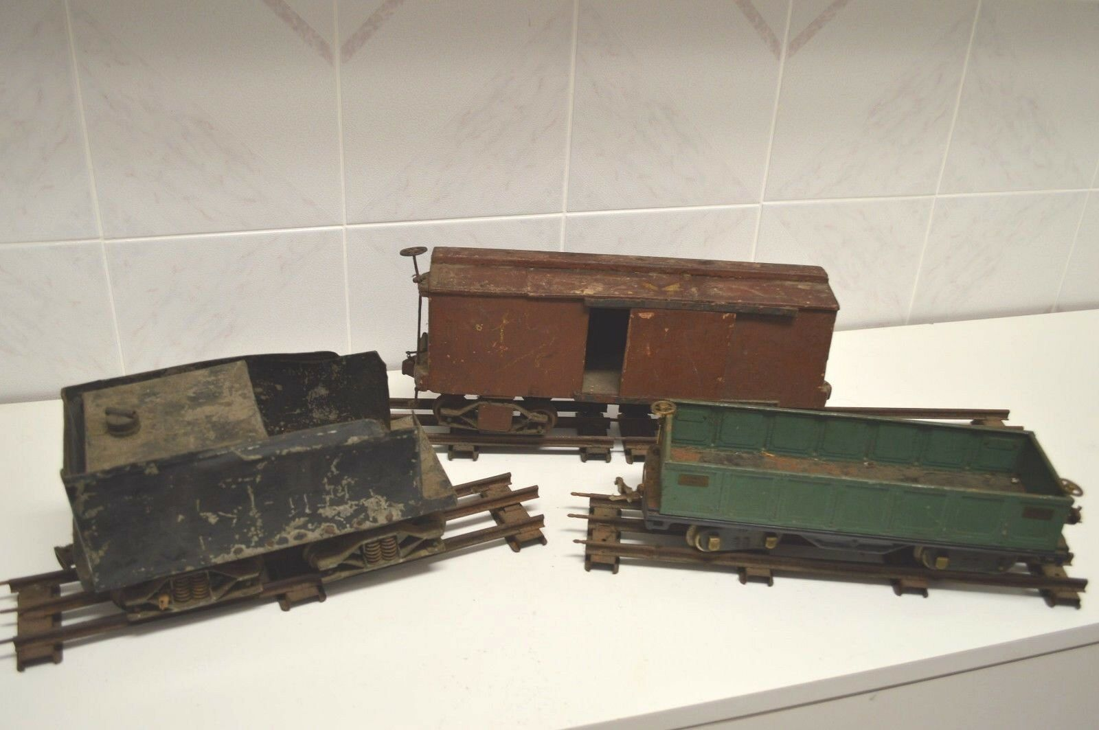 Lot Of 3 Antique Vintage Train Cars Metal Wood Lionel Collectible