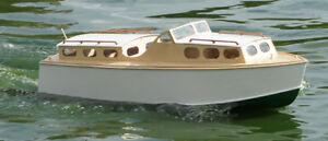 Wavemaster 25 Maquette de bateau en bois Lesro Models Les Rowell