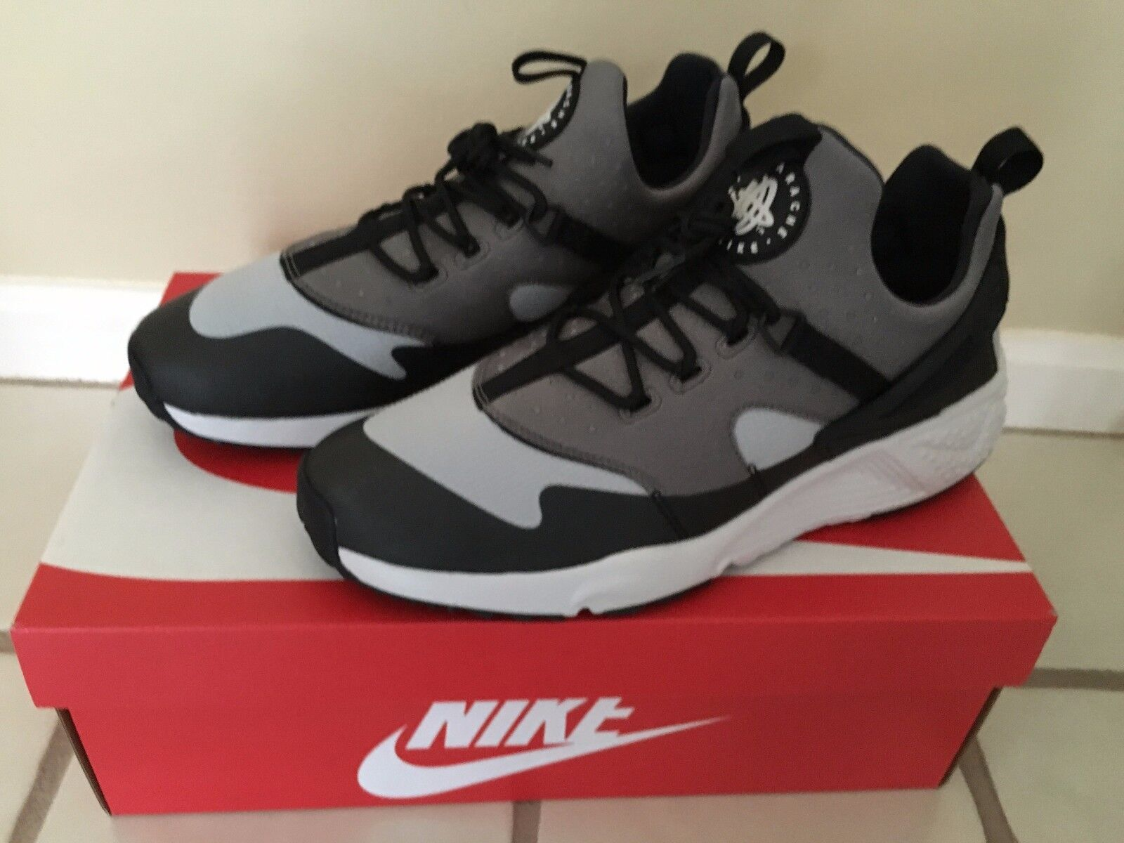 NIKE AIR HUARACHE UTILITY SNEAKERS SIZE 11 806807003 BRAND NEW BEST OFFER