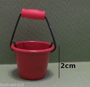 seau en métal rouge miniature,mais<wbr/>on de poupée, vitrine, jardin, serre  CL11