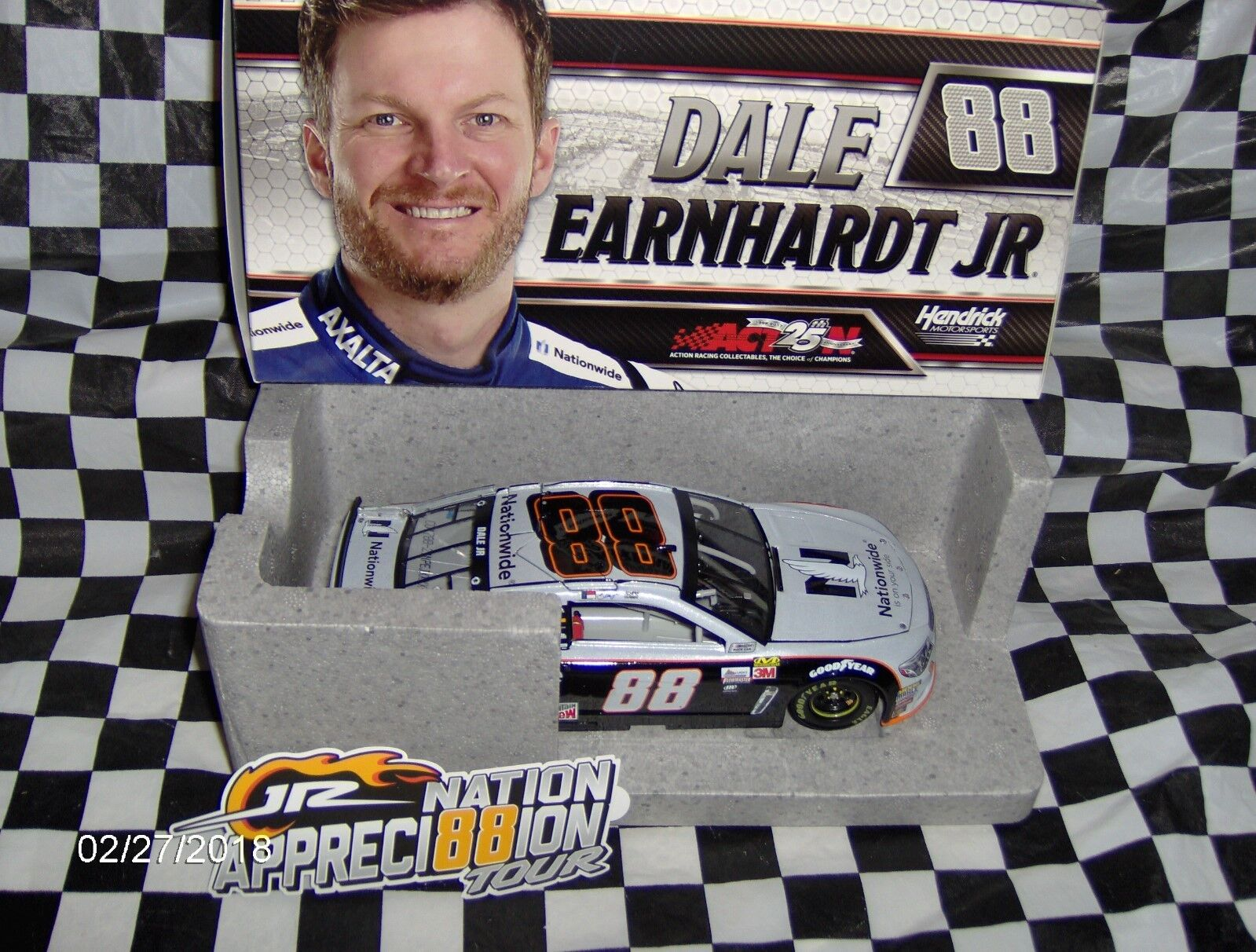 2017 Dale Earnhardt Jr.    88 Nationlarge gris Ghost 1 24th  populaire