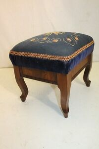 Darling Early American Mahogany Footstool Foot Rest With Needlepoint