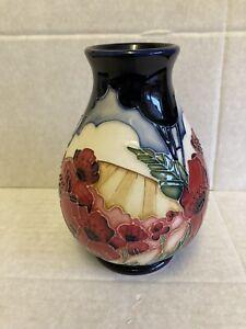 Moorcroft-Forever-England-Vase-7-5-Vicky-Lovett-RRP-375-Remembrance-Poppy