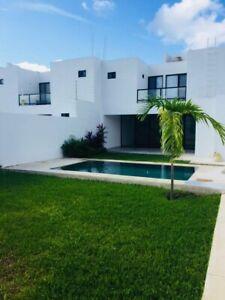 Casa en Renta de 3 Recamaras con Alberca y Paneles Solares en el Norte de Merida