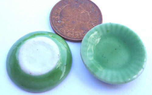 1:12 SCALA 2 piastre in ceramica verde 2.2cm tumdee Casa delle Bambole Accessorio da cucina G2