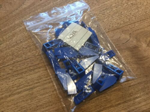 Free p /& p 25 x LEGO 4286-1x3 BLUE Slope Roof Tile