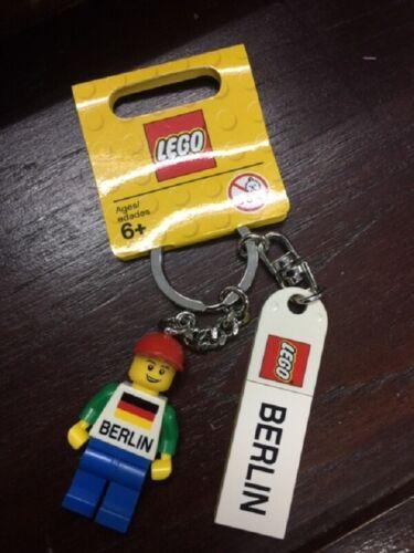 Lego Berlin Keychain key chain Minifigure 853306 BNWT