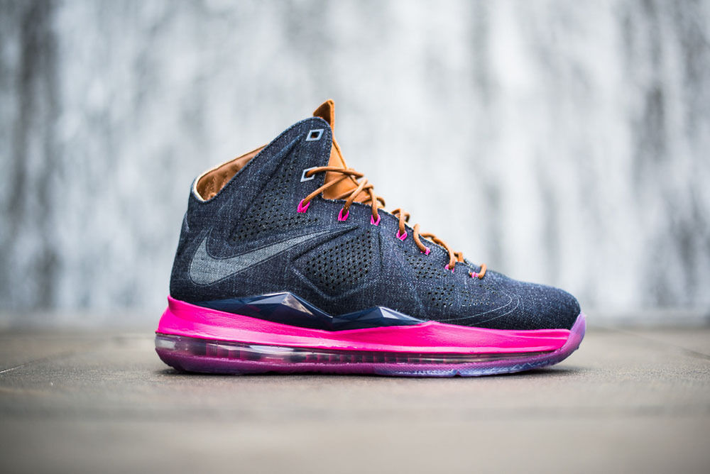 Nike LeBron X EXT DENIM QS Size 9 MIDNIGHT NAVY HAZELNUT FIREBERRY 597806-400