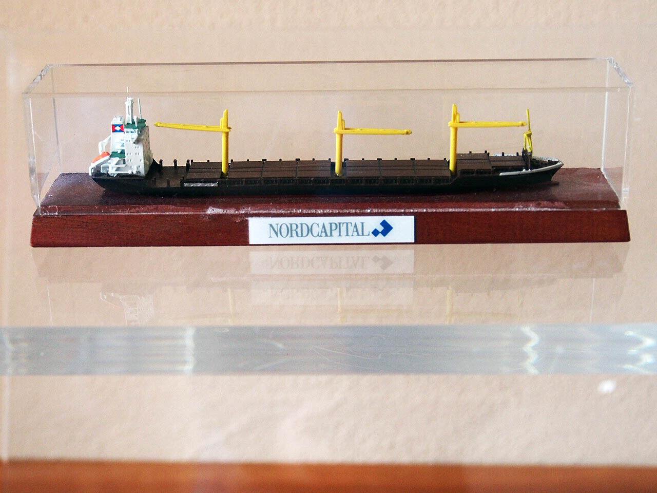 Très beau bateau modèle Conteneur  navire volcan, 1 1250  bonnes offres