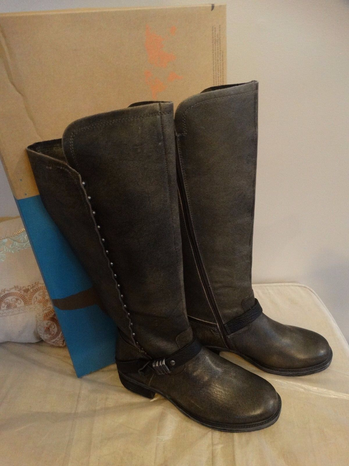 OTBT Womens Cache Beige Black Leather Riding Boots SIZE 7.5 225