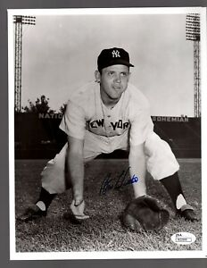 Billy Hunter Signed Autograph New York Yankees 8x10 Photo - JSA R22999