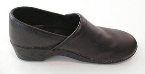 L.L. BEAN Nursing Doctor Occupational Clogs Leather Shoes WOMENS Size 40 8.5 9