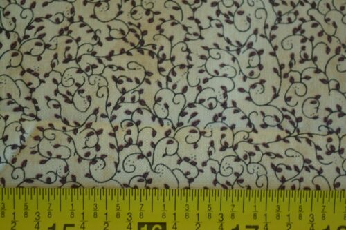 """Moda Brown on Tan Quilter/'s Cotton M4535 44/"""" By-the-Half-Yard"""